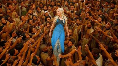 After freeing them, the Yunkish people embrace Khaleesi as Mhysa