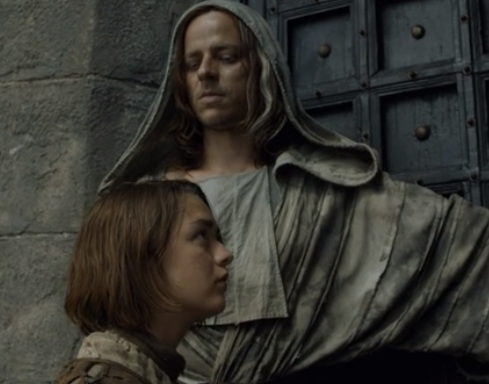 The face of Jaqen H'ghar returns and lets Arya into the House of Black and White